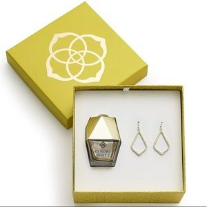 Kendra Scott Sophie Earrings & Nail Gift Set Gold!
